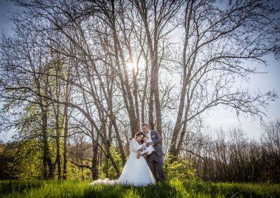 Contrejour sur les mariés